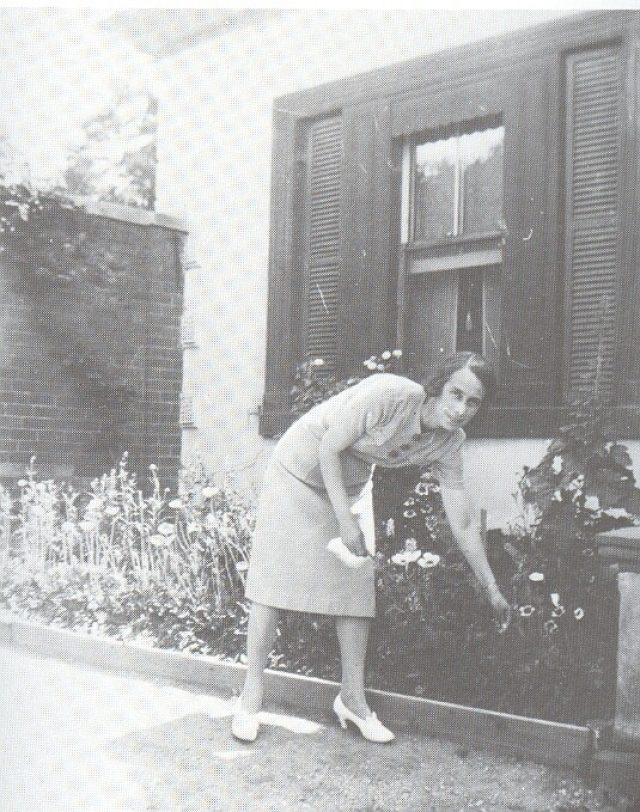 Miss Olive Gordon