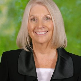 Mrs Robyn MacCulloch