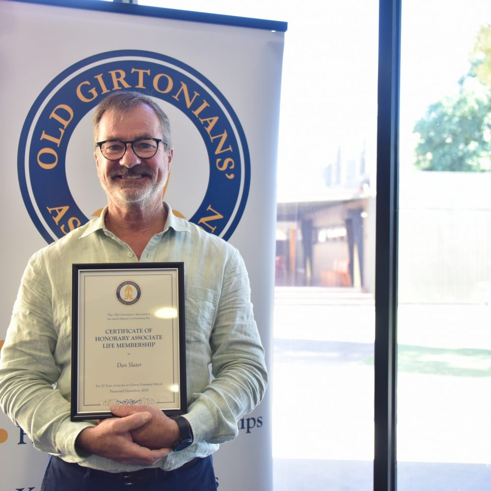 Standing Ovation for Co-curriculum Pioneer