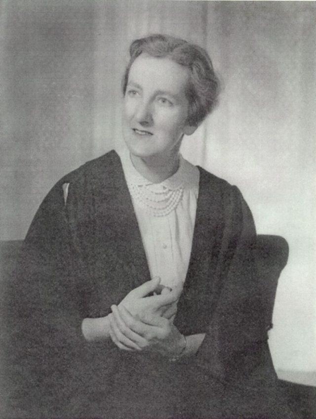 Mrs Jean D'Helin